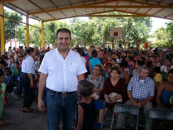 El pueblo está obligado a respaldar al Presidente de la República en su Gobierno