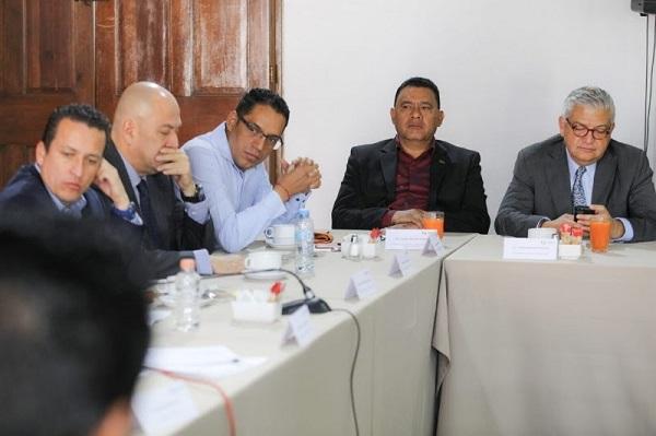 Conjunción de esfuerzos para garantizar seguridad en Michoacán, plantea Fermín Bernabé