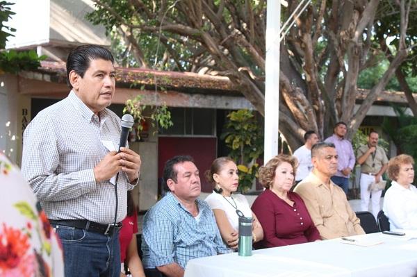 Raymundo Arreola reconoce la vocación del docente en la formación de futuros profesionistas