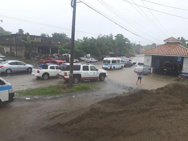 """Atiende PC paso de la depresión tropical """"Narda"""" por Michoacán"""
