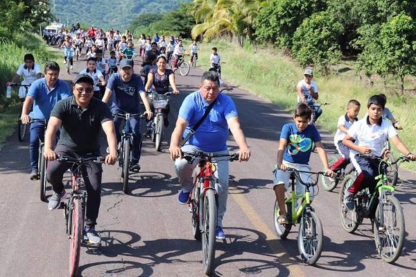 Fiesta multicolor en Los Cajones con el recorrido familiar en bicicleta