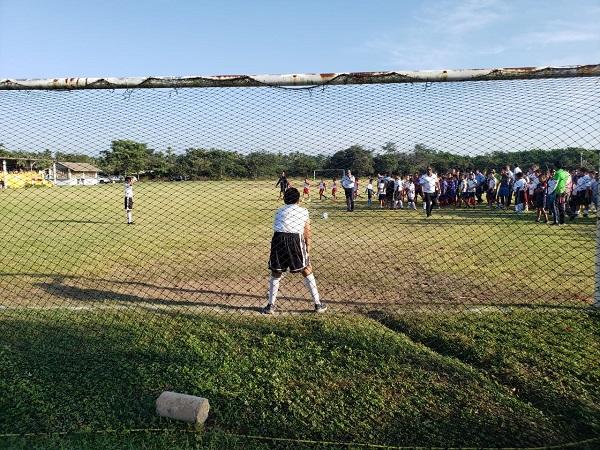 Presidente Crescencio Reyes acude a torneo deportivo organizado por la Zona Escolar 96