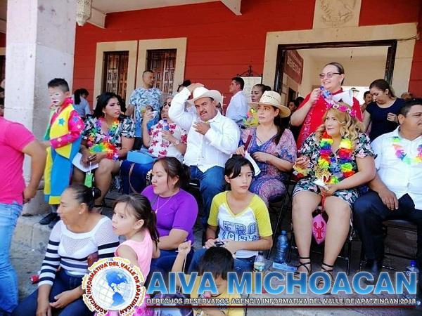 Martes de carnaval lleno de colorido.