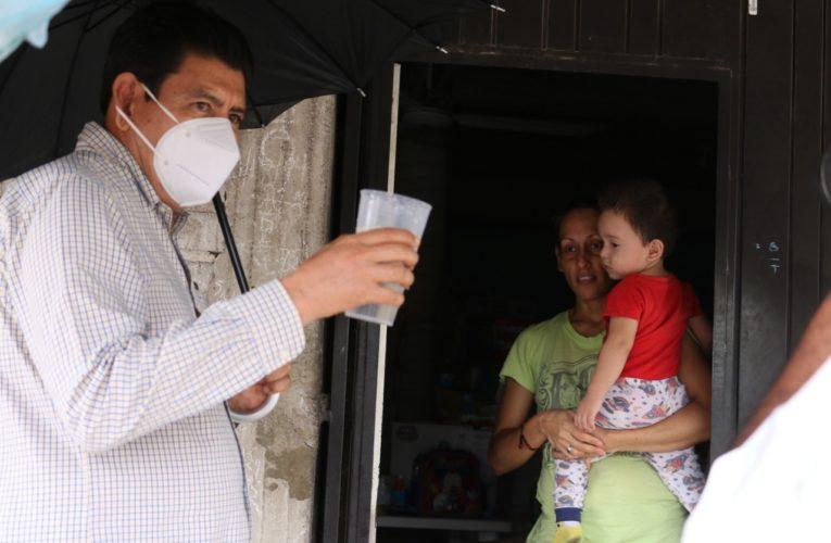 Raymundo Arreola entrega agua potable a más de mil familias que la pedían desde hace cinco décadas