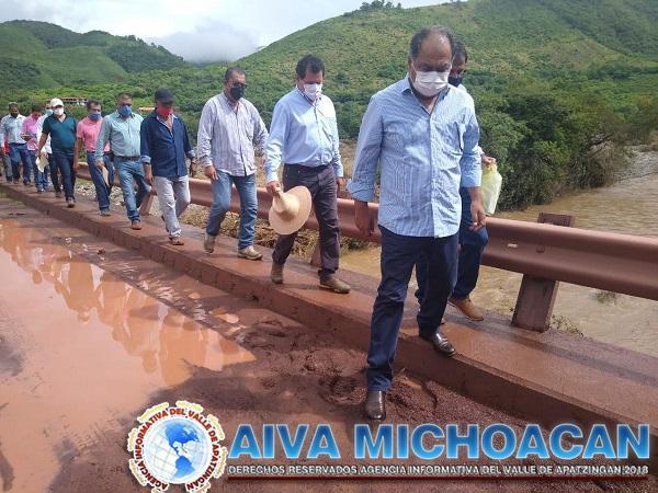 Alcalde Crescencio Reyes agradece compromiso del gobernador Héctor Astudillo para rehabilitar puente colapsado en La Unión