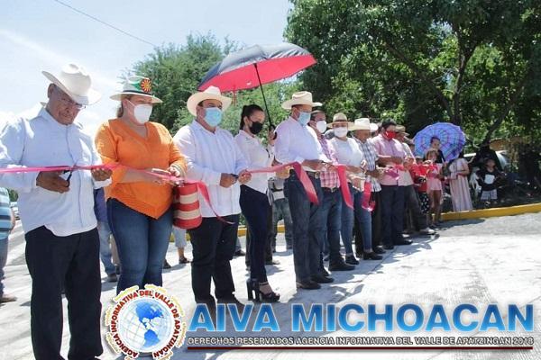 Encabeza Huriel Bautista inauguración de Obra en la Comunidad de las Yeguas.