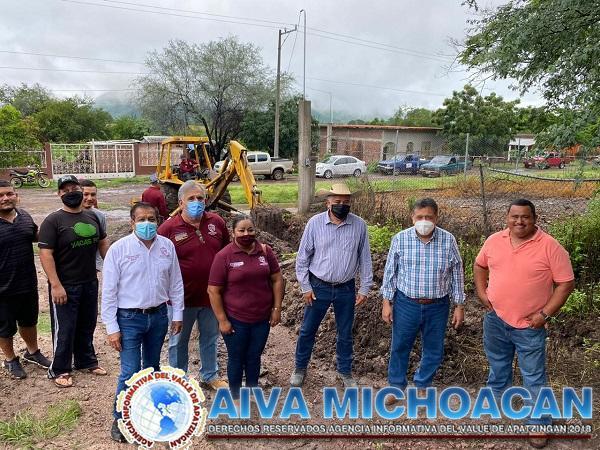 Inicia la introducción de red de agua en San Antonio La Labor
