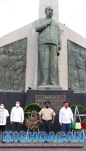 Con guardia de honor, conmemoran 50 Aniversario Luctuoso de Lázaro Cárdenas