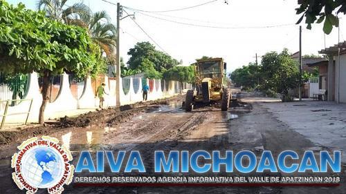 Se da inicio con mantenimiento de calles en la localidad de Coahuayana Ejido