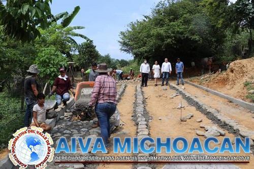Con entusiasmo se arranca la segunda parte de la calle de la Colonia El Vivero en Zapotán.