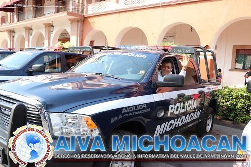 Se fortalece seguridad de Apatzingán con 9 vehículos para patrullaje