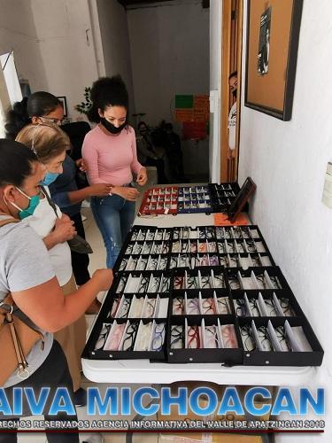 Paco Cedillo inicia con éxito Segunda Campaña de Salud Visual