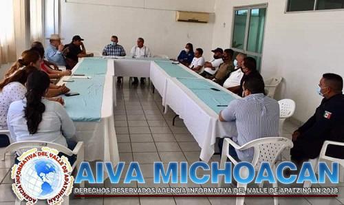"""Se reúneme autoridades civiles, judiciales y militares para tomar acuerdos sobre la campaña """"ponte el casco"""""""