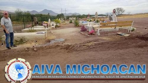 Se implementa servicio de agua al nuevo Panteón Municipal.