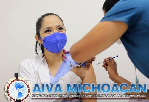 Completa SSM 4 mil 622 esquemas de vacuna contra COVID-19 a personal de salud